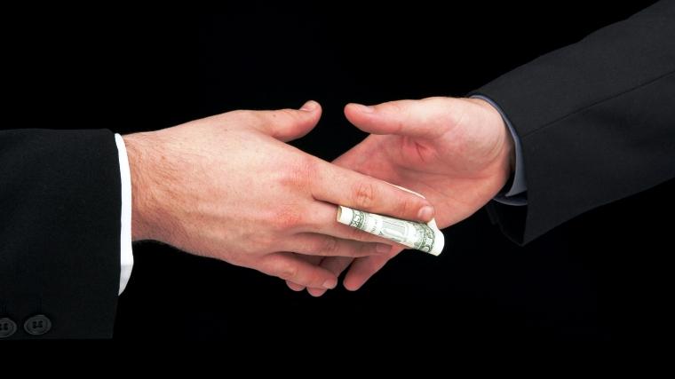 CIA and MI6 in bribery row