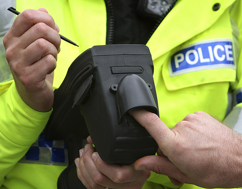 Police hit the streets to introduce mobile fingerprinting