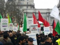 Muslims hold anti-ISIS rally in London