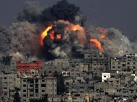 Israel steps up attacks on Gaza Strip
